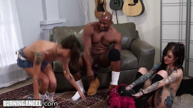 Секс в засос с негр